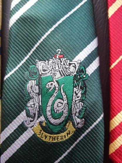 Krawatte in Slytherin Hausfarbe ca. 150cm