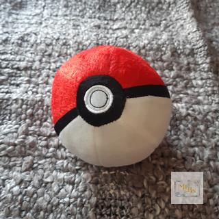 Pokemon Poke Ball aus Plüsch