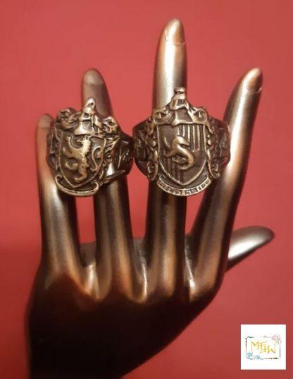 Sieglring aus Metall Gryffindor Hufflepuff